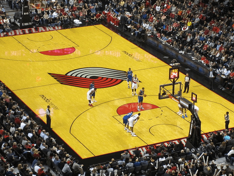Portland Trail Blazers game at Moda Center, Portland, Oregon (2013) (Wikimedia)