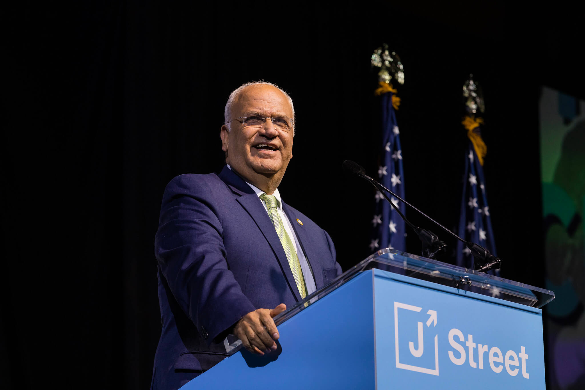 Saeb Erakat speaks to J Street's 2019 National Conference. (Photo: J Street)