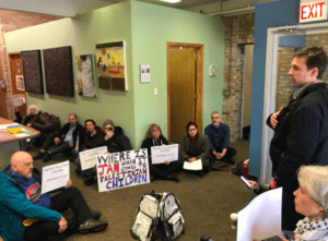 Activists occupy Re. Jan Schakowsky's office. (Photo: US Palestinian Community Network Twitter)