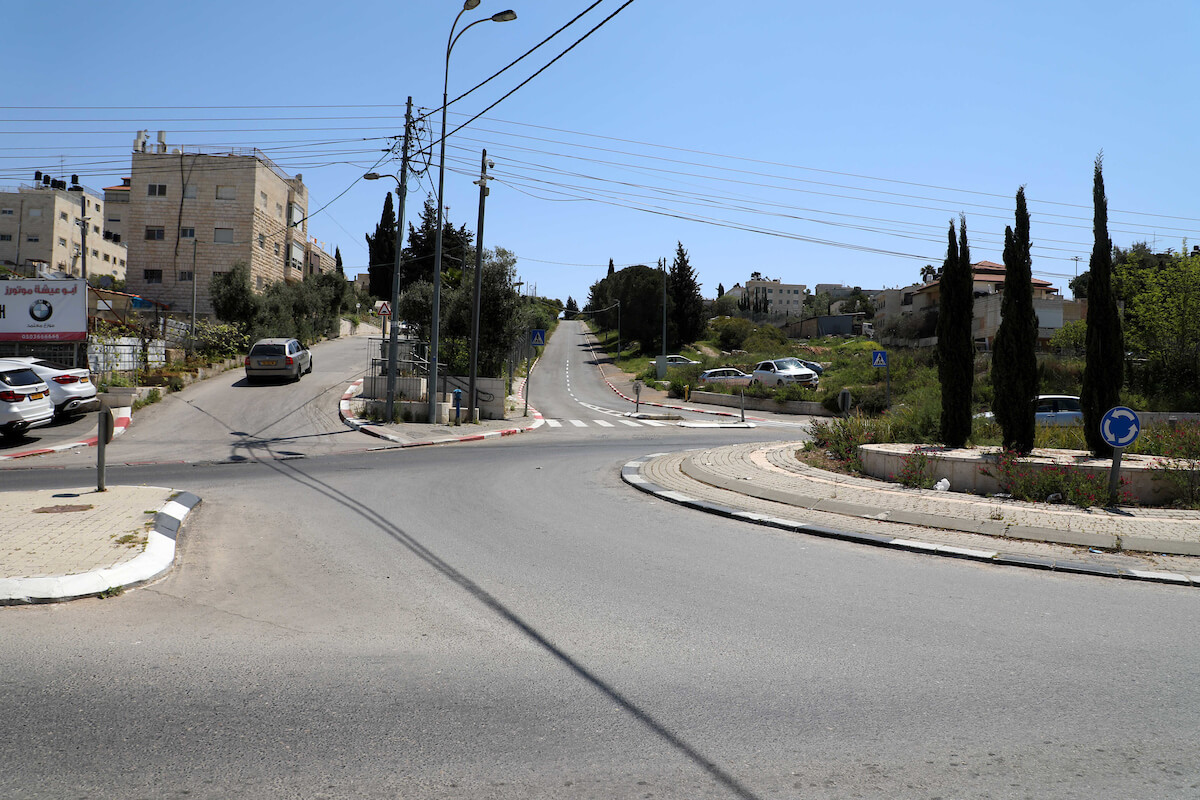 A view shows streets almost deserted during the home confinement order as a precaution against the spread of the coronavirus disease (COVID-19) in the east Jerusalem neighborhood of Beit Hanina on April 15, 2020. (Photo: Muhammed Qarout Idkaidek/APA Images)