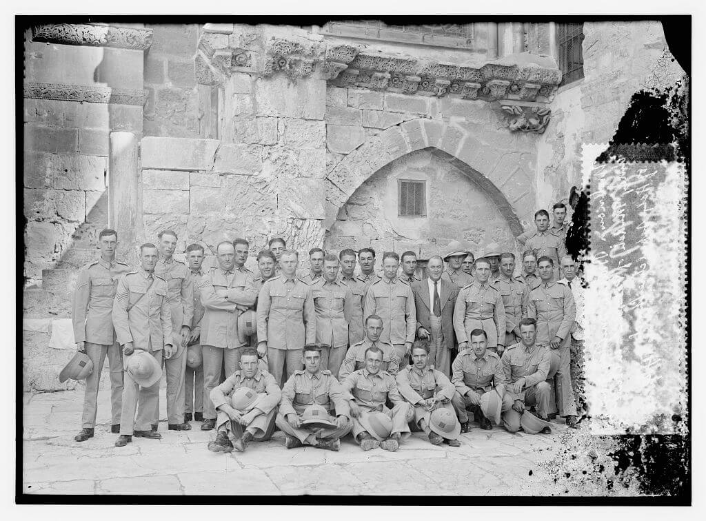 Unknown British military group during mandate of Palestine in court of Holy Sepulchre Church. Library of Congress. (Photo: PICRYL)