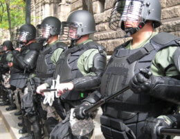 Police during the 2009 G20 Pittsburgh Summit (Photo: Wikimedia)