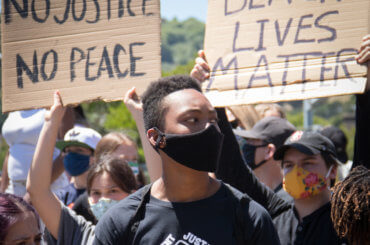 Protest for George Floyd in Marin City, California on June 2, 2020. (Photo: Peg Hunter/Flickr)